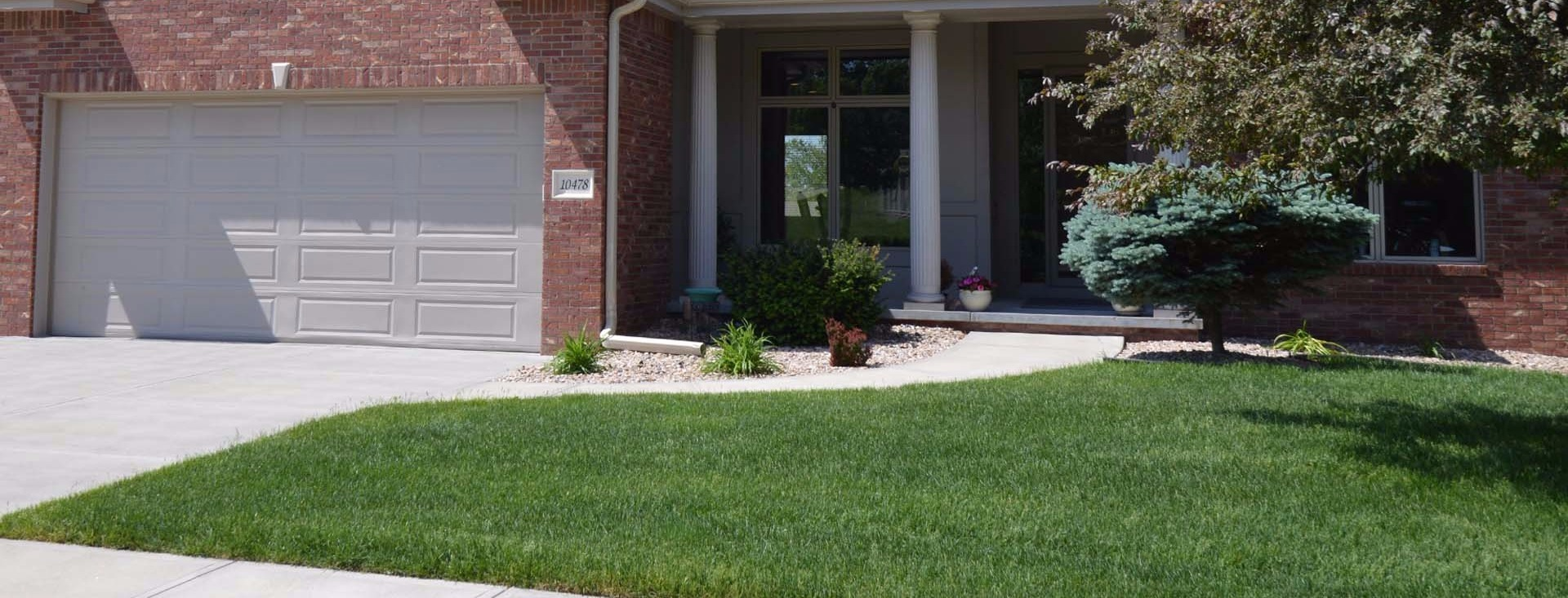 Lawn care services, fertilizing, grub control, aeration and overseeding